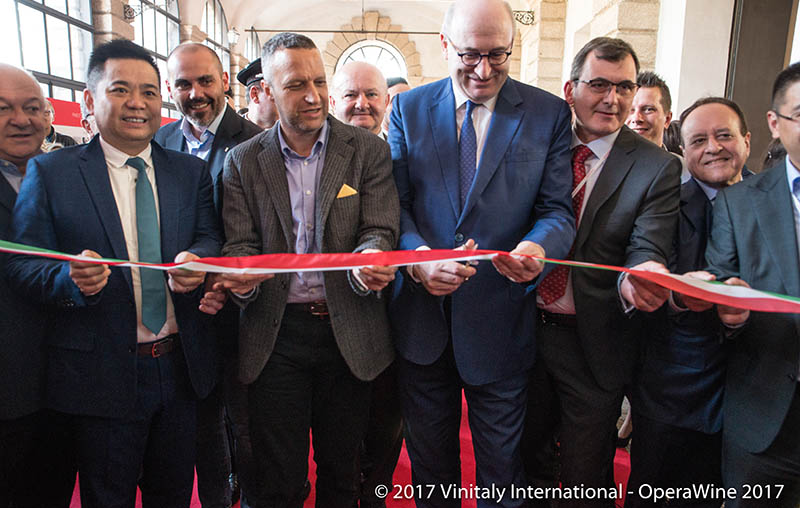 OperaWine 2017: ribbon cutting