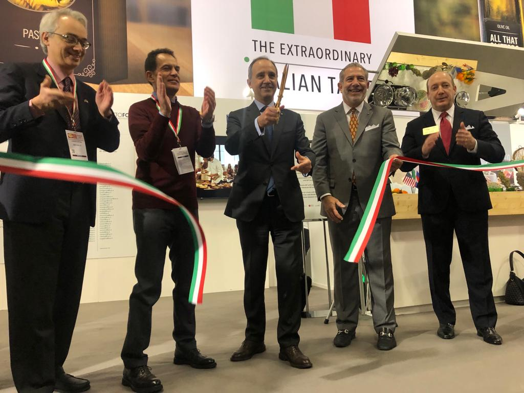 Ribbon-cutting ceremony at Winter Fancy Food Show 2019